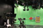 Studio 3 (klíčovací pozadí, do května se zde natáčely zprávy, v druhé části studia se nachází UDZ (Úplně debilní zprávy), foto: Martin Petera