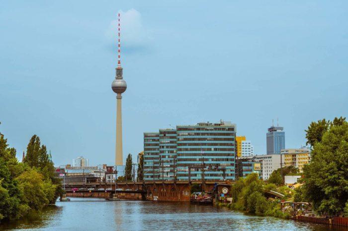Platforma DVB-T2 v Německu i Rakousku by měla být převážně placená. Lze zpoplatnění očekávat v ČR?