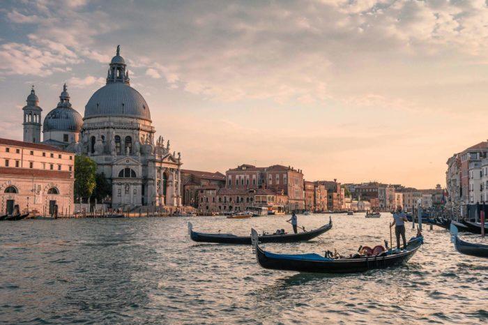 Itálie původně rozhodla o zachování DVB-T, stále však zvažuje i přechod na DVB-T2