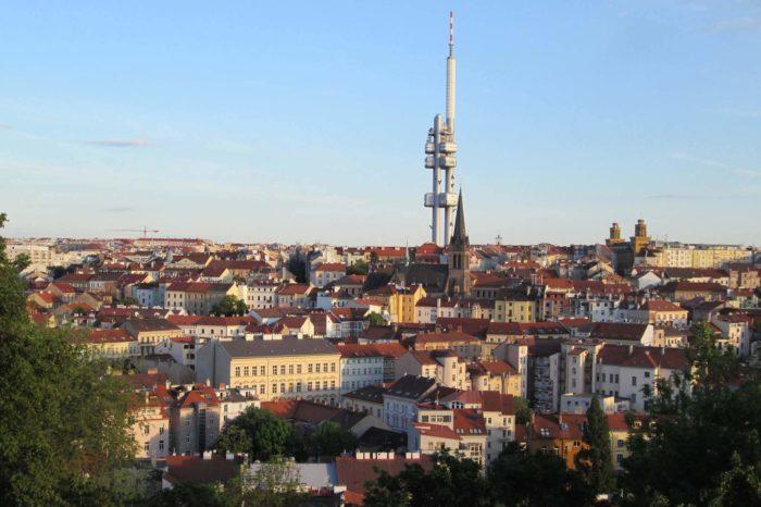 Situace po vypnutí DVB-T v Praze: Diváci ČT řeší výpadky signálu a kostičkování obrazu