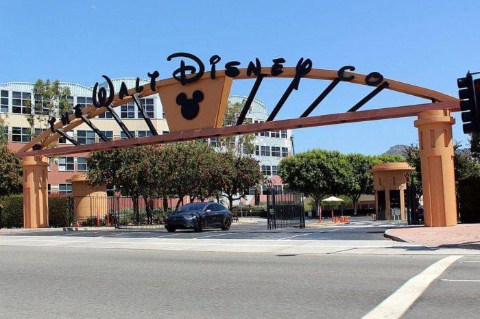 Disney vypne své lineární programy v Británii, posílí streaming. Jde o nejistý krok